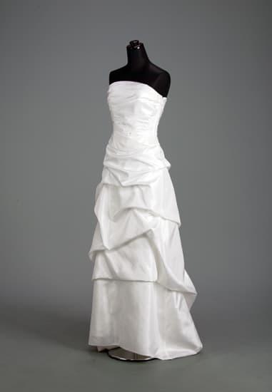 白タフタビーズフラワードレープビスチェ&白タフタドレープロングスカート