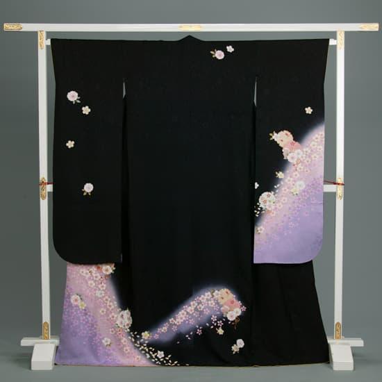 黒 地紋入り紫暈し 雪輪 桜文