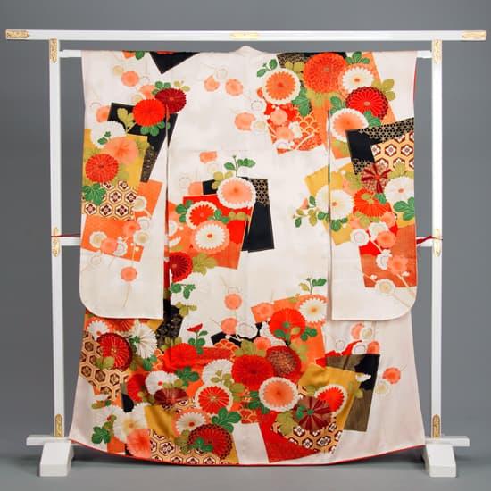 白/橙 大輪梅と大輪菊 紋入り色紙