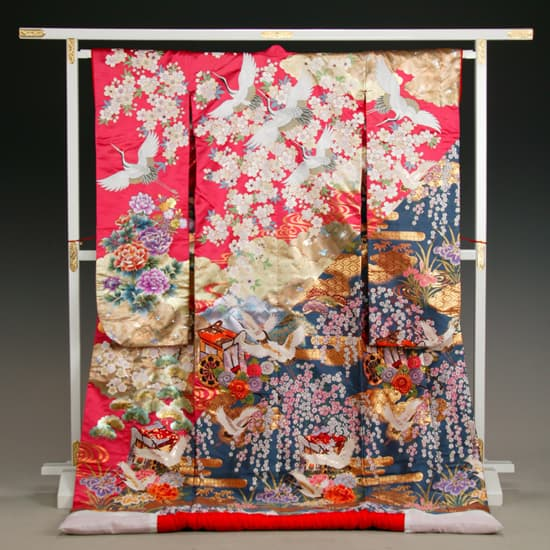 織 ピンク/紺 泥箔 雲取に桜 鶴刺繍