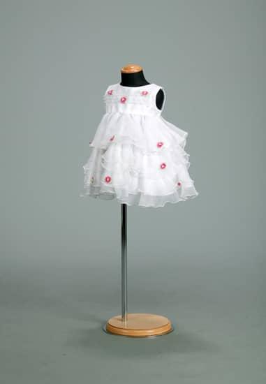 白オーガンティアードピンク花