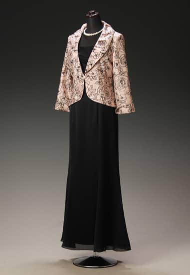 黒サテンマーメイドドレス & ピンクベージュ黒バラフロッキータックカラー