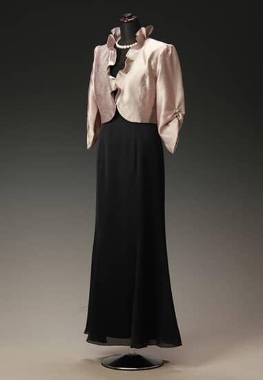 黒サテンマーメイドドレス & ゴールドシャンタンギャザースリーブ